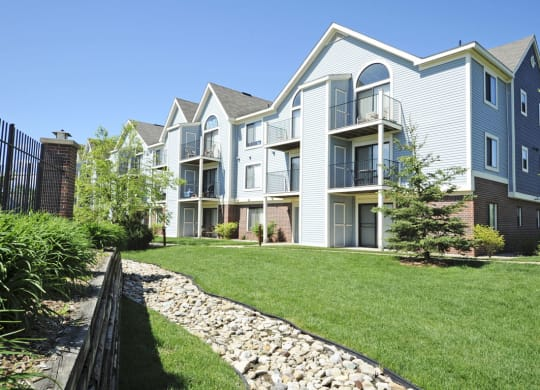 Apartments For Rent at Huntington Cove Apartments, Merrillville, 46410