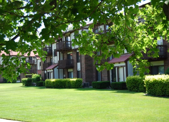 Expertly Landscaped Grounds at Madeira Apartments, Kalamazoo, MI