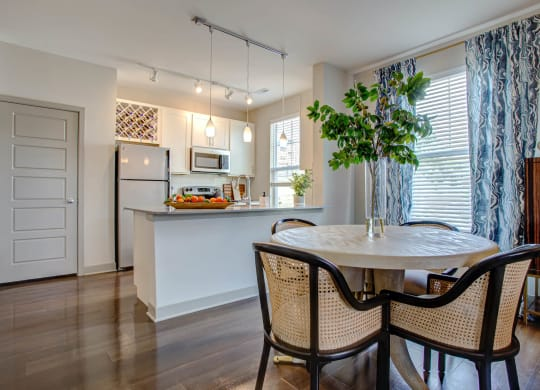 Dining Space at River Crossing Apartments, St. Charles, Missouri