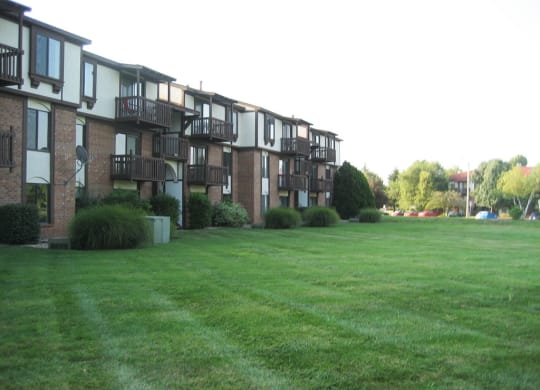 Manicured Lawns at Old Monterey Apartments, Springfield, MO