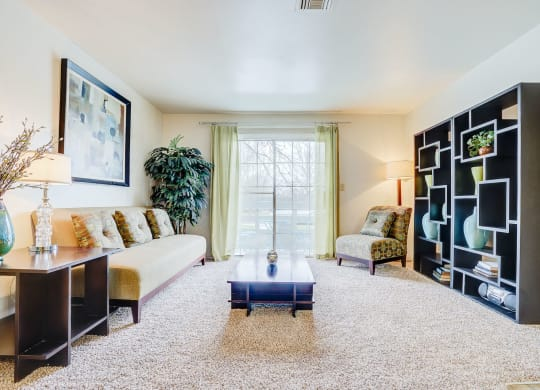 Large Living Room at Bay Pointe Apartments, Indiana