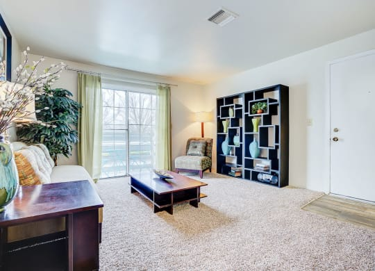 Spacious Living Room at Bay Pointe Apartments, Lafayette, IN, 47909