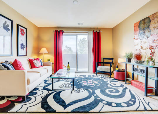 Living Room With Plenty Of Natural Light at Polo Run Apartments, Greenwood, IN, 46142