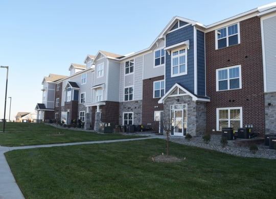 Beautifully Constructed Apartment Homes at Trade Winds Apartment Homes in Elkhorn, NE 68022