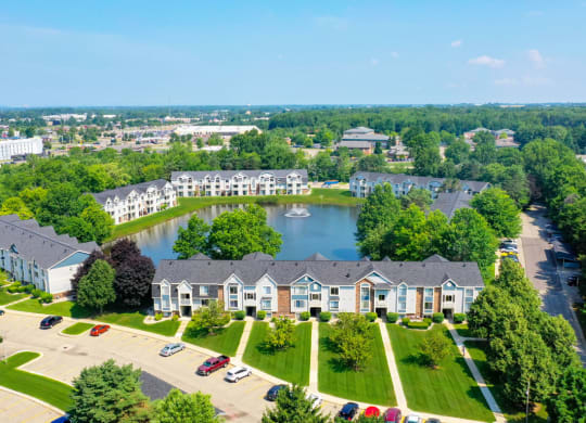 Beautiful Community with Ponds at Windmill Lakes Apartments in Holland, MI
