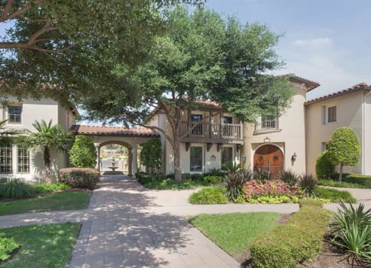 Green Space Walking Trails at Estancia Townhomes, Texas