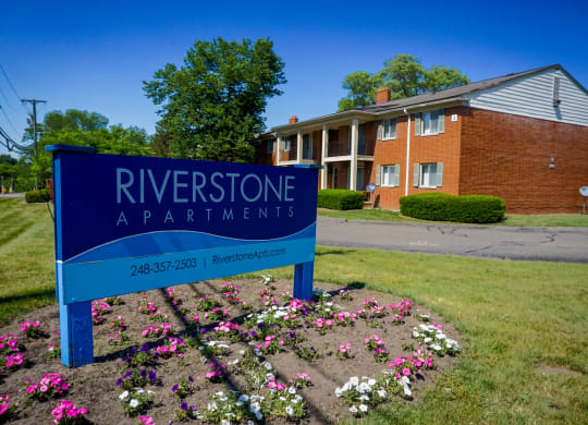 Riverstone Sign and Building