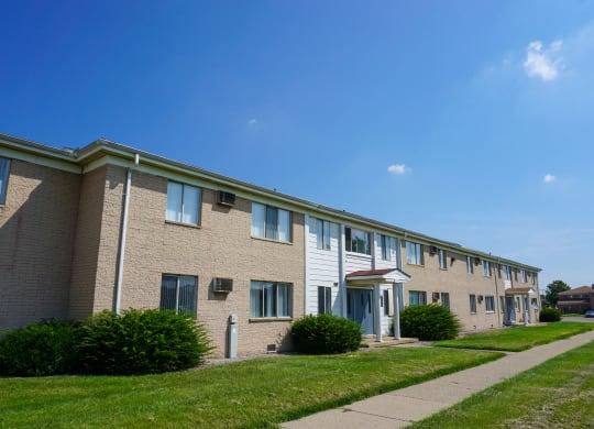 Building and sidewalk at Warren Manor in Warren, Michigan.