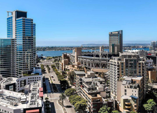 K1-San-Diego-Apartments-Exterior-Neighborhood