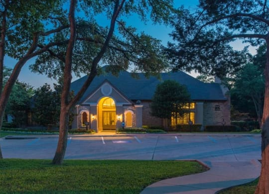 Exterior View at Stoneleigh on Spring Creek, Garland, TX