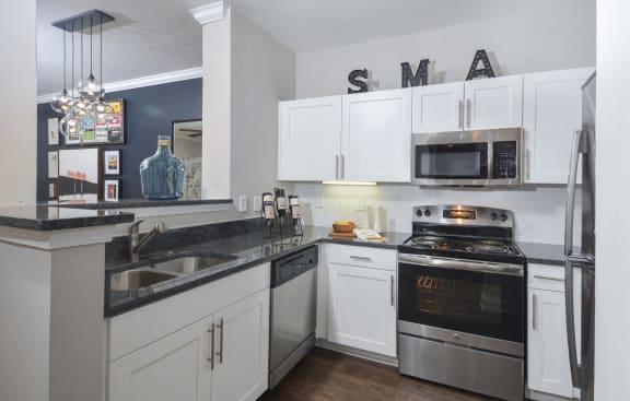 stainless steel appliances | Savannah Midtown Apartments in Atlanta, GA