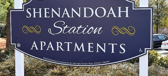Sign at Shenandoah Station Apartments