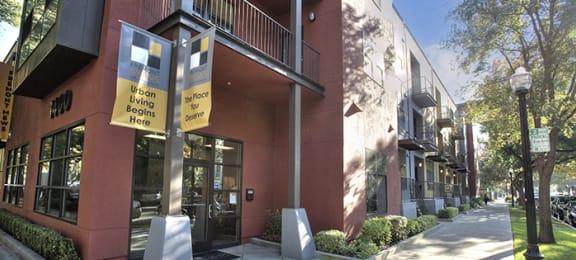 Exterior of Building l Fremont Mews Apartments in Sacramento CA