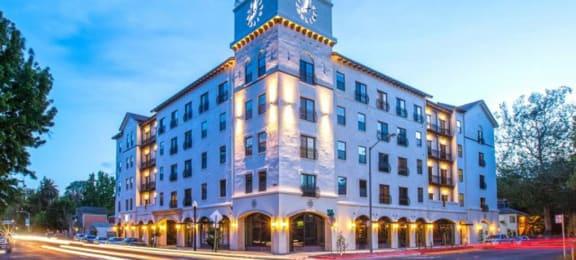 exterior building l Apartments in Downtown Sacramento | Legado de Ravel