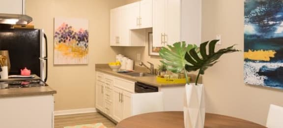 Kitchen and Dining area | Park Vue Apartments in Santa Rosa, CA 95403