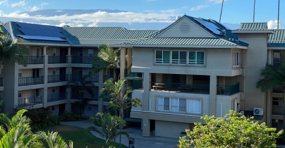 The Waterfront Apartments at Kahului exterior building