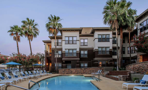 Swimming Pool at Best Apartments in North Phoenix