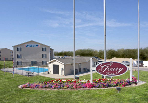 Welcome-Landscaping at Geary Estates Apartments, MRD Conventional, Grandview Plaza, KS