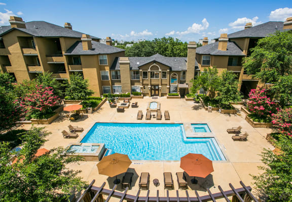 Resort style swimming pool at Dallas apartments on Montfort