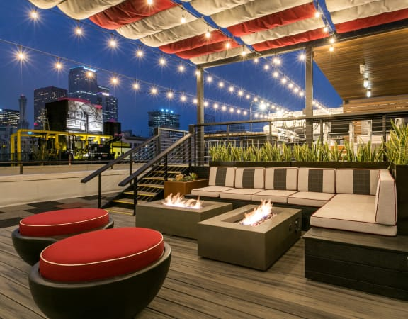 Apartments in Downtown LA for Rent - Rooftop Lounge with Various Lounge Areas and Great Rooftop Views