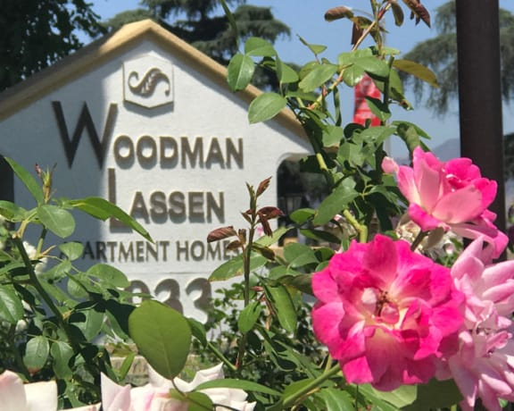 Woodman Lassen Apartments signage