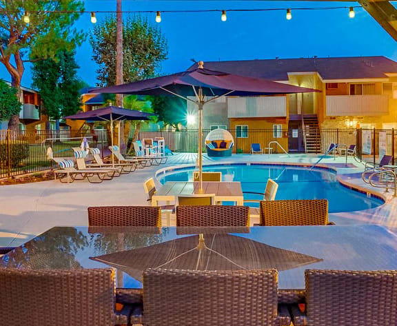 Mini Swimming Pool And Relaxing Area at Pacific Trails Luxury Apartment Homes, Covina, 91722
