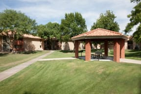 Outdoor Seating Area at Heritage Pointe, Arizona, 85233