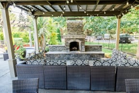 Kent Apartments - Signature Pointe Apartment Homes - Community Patio and Outdoor Fireplace