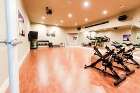Kent Apartments - Signature Pointe Apartment Homes - Yoga Room 2