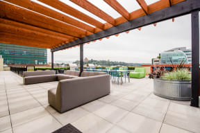Seattle Apartments - Icon Apartments - Rooftop Deck