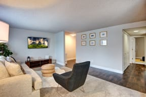 Lakewood Apartments - MOD 83 Apartments - Living Room 3