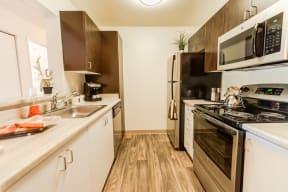 Kent Apartments - Signature Pointe Apartment Homes - Kitchen