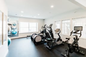 Fitness Center With Modern Equipment at Deer Run Apartments, Brown Deer, WI