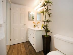 granite at porpoise bay apartments daytona model unit bathroom