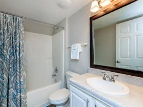 floorplan 2C model unit full bathroom