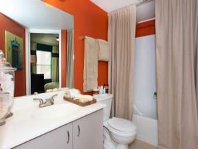 vero beach apartments bathroom
