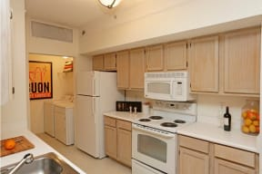 Fully Equipped Kitchen and Separate Laundry Room |Ashlar