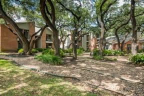 Courtyard | Village Oaks