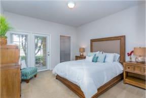 beBeautiful bright Bedroom   Cypress Legends