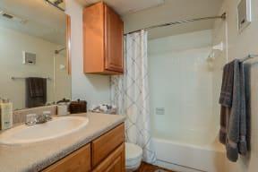 Bathroom   Candlewood