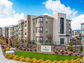 monument sign and apartment buildings | Lumina at Spanish Springs apartments
