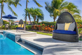 Apartments with pool    Fort Myers