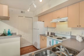 Kitchen with electric appliances | Promenade at Reflection Lakes