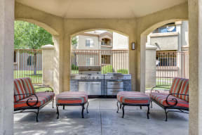 Outdoor patio seating with grills | The Links at High Resort
