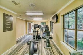 Fitness center | Village Oaks
