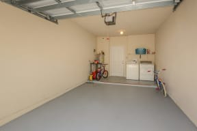 Garages available | Yacht Club