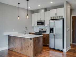 Modern Apartment Kitchens At Boutique 28 Apartments In Minneapolis, MN