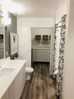 10X Ft. Lauderdale Bathroom