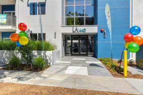 LA1440 Entrance with Ballons, Plants