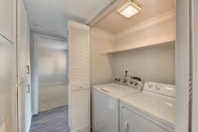 Full Size In Unit Washer/Dryer , Light and White Walls